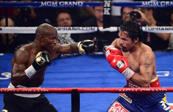 Timothy Bradley Jr (left) against Manny Pacquiao